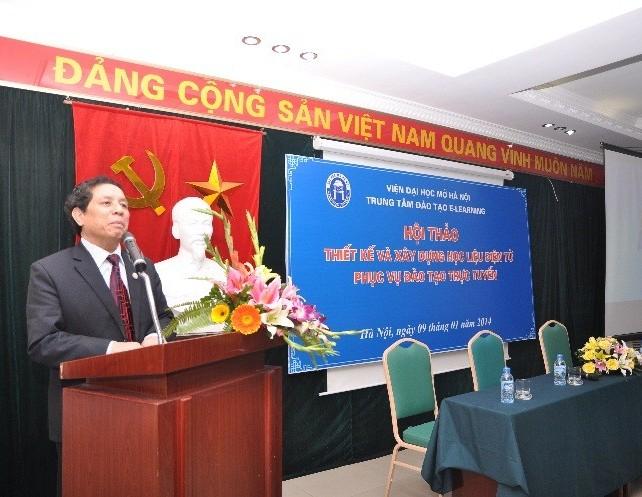 TS. Lê Văn Thanh – Bí thư Đảng ủy – Viện trưởng Viện Đại học Mở Hà Nội phát biểu chỉ đạo Hội thảo