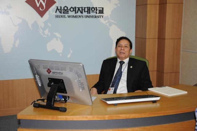 Thăm trường đại học Seoul Women's University, chiều 2.9
