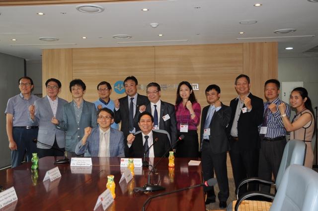 Với lãnh đạo trường Korea Open University National