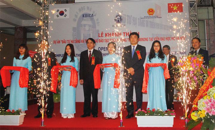 Lễ Khánh thành Dự án do Chính phủ Hàn Quốc tài trợ tại Viện Đại học Mở Hà Nội