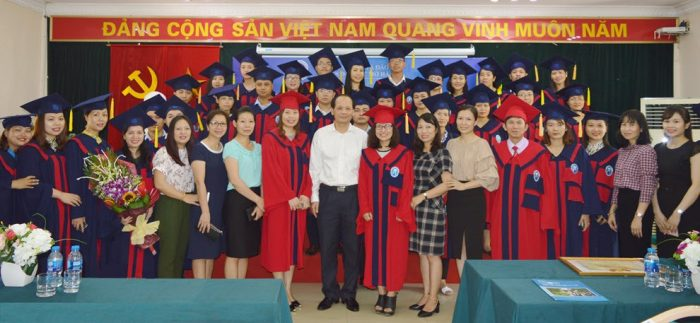 Lễ trao bằng tốt nghiệp Đại học hệ từ xa  – Phương thức E-Learning đợt I năm 2018